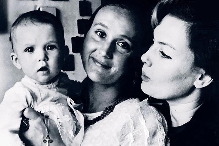 Алла Будницкая стала крестной матерью младшей дочери Дроздовской