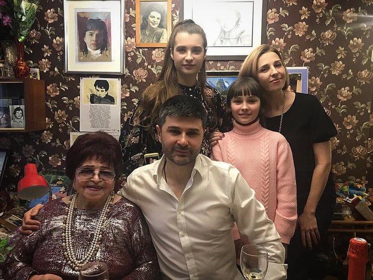 Матери Барыкина помогала семья старшего внука