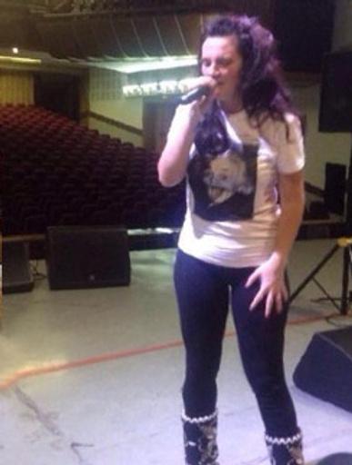 Теперь Ваенга решилась на облегающие джинсы