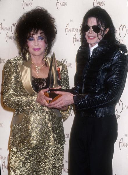 Майкл и Элизабет были близкими друзьями