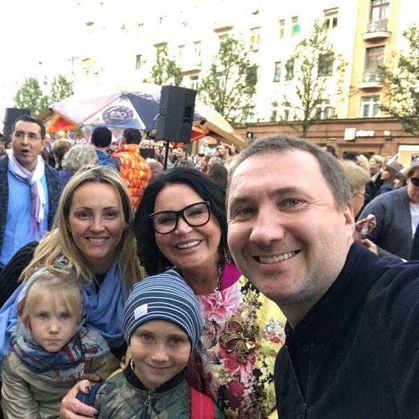 Надежда Бабкина обожает сына и всю его семью