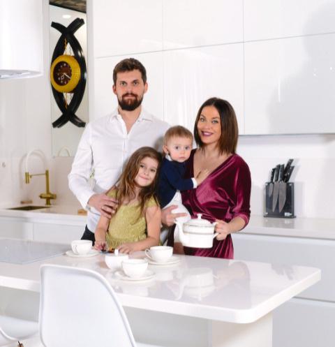 Таня Терешина с семьей