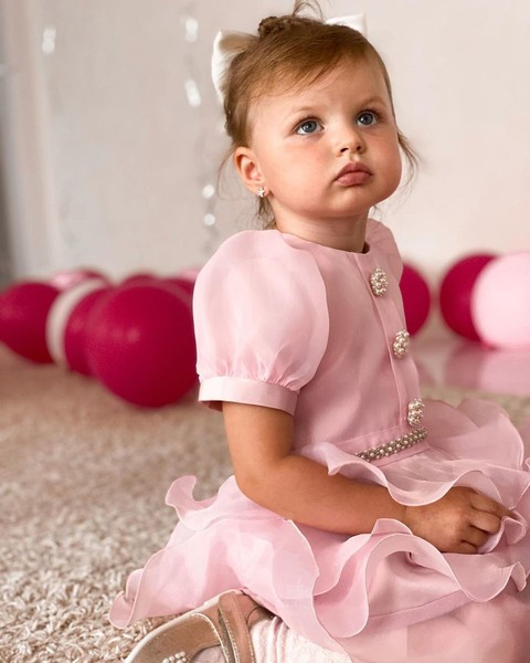 «Какая красивая!»: старшая дочь Анастасии Костенко появилась в платье принцессы на свой день рождения