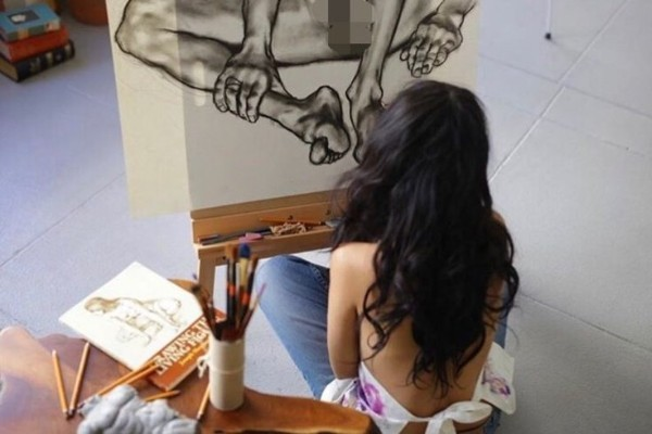 Дарина Эрвин пишет картины в жанре гиперреализма