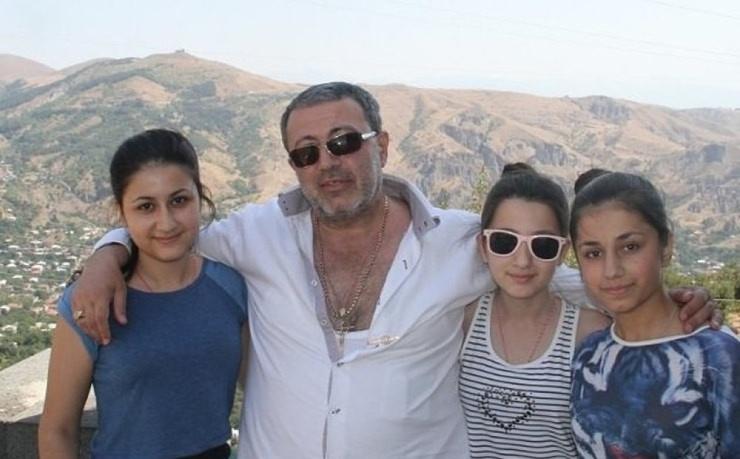 Сестры Хачатурян много лет терпели насилие со стороны отца