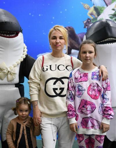 Валерия Гай Германика с детьми
