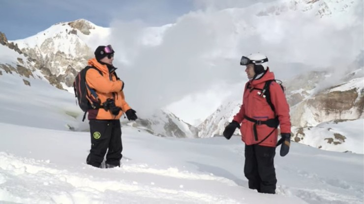 За время путешествия Юрий успел сходить в горы и покататься на сноуборде