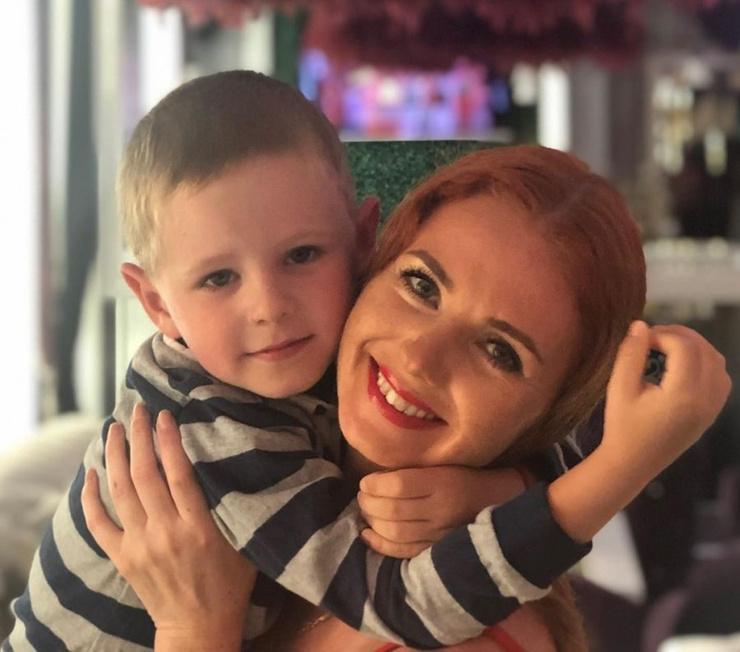 Лена Катина пока не собирается знакомить сына с молодым человеком