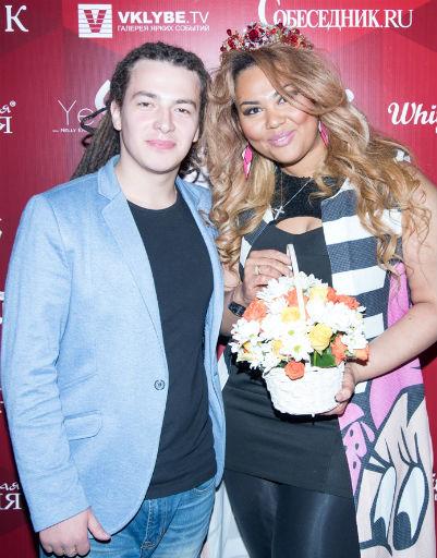 Корнелия Манго с женихом Богданом