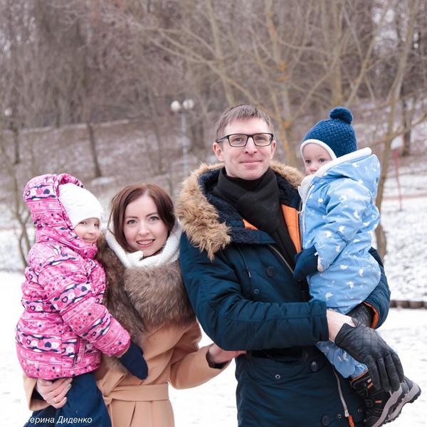 После смерти мужа Катя осталась с двумя детьми на руках