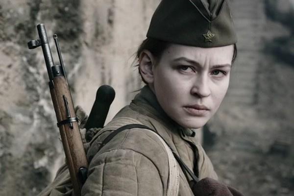Юлия Пересильд даже внешне похожа на Людмилу Павличенко