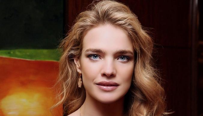 Наталью Водянову заподозрили в беременности