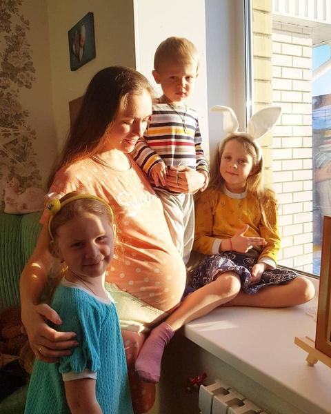Мария воспитывает двух наследников от разных мужчин и дочку Михаила