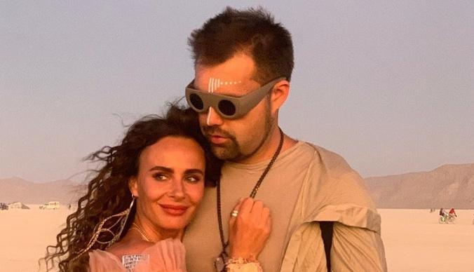 Поклонники требуют вернуть деньги за онлайн-трансляцию свадьбы Саши Зверевой