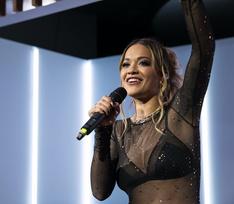 Рита Ора выступила перед российскими поклонниками