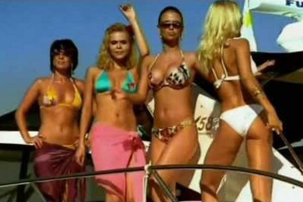 Анна Семенович на съемках клипа в группе «Блестящие»