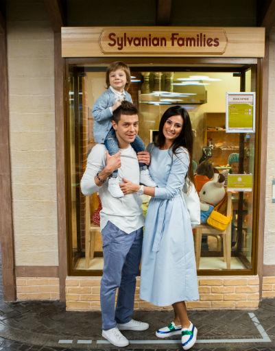 Дмитрий Пакуличев с семьей на дне рождения Марселя
