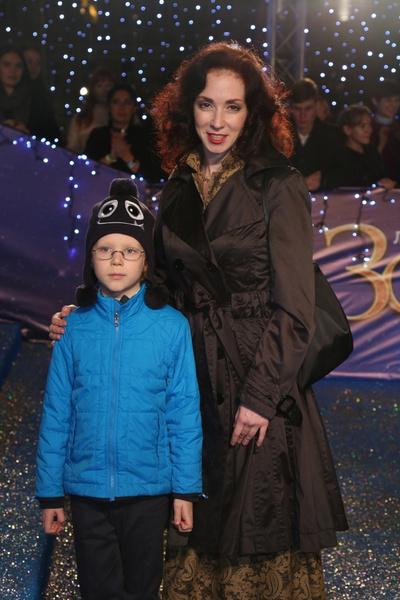 Сын Анны пока не проявляет интереса к актерской профессии