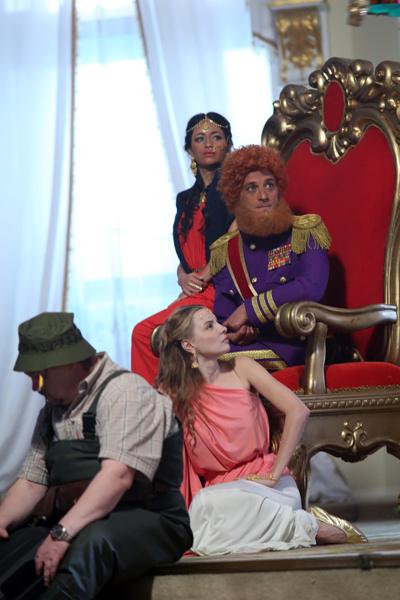 Марина Орлова сыграла невесту молодого короля
