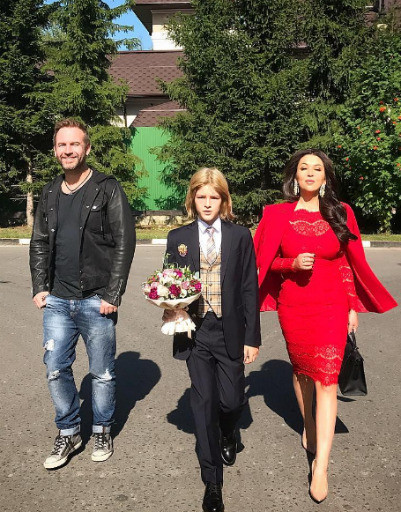 Ирина Дубцова с сыном Артемом и бывшим мужем Романом Черницыным