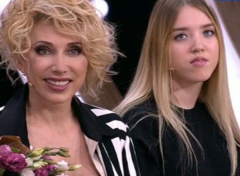 Елена Воробей объяснила, почему не живет с дочерью