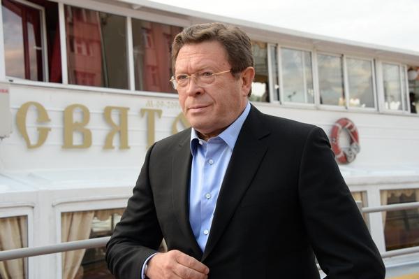 Георгий Мартиросян не понимает, зачем Васильева рассказала о романе