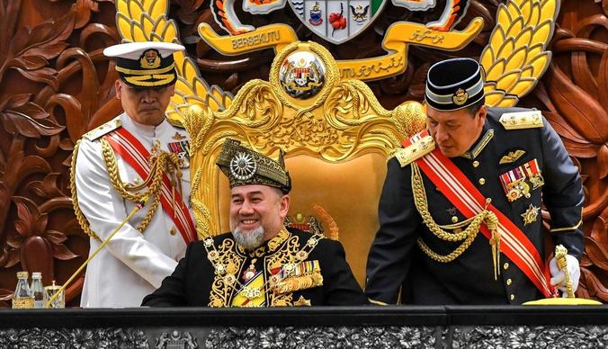 Бывший король Малайзии выплатит 6 миллионов Оксане Воеводиной
