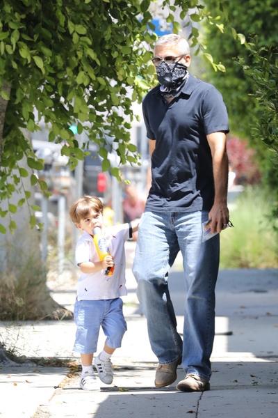 Джордж Клуни с сыном Александром