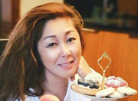Отец Аниты Цой издевался над ней в детстве