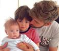 Возлюбленный Шакиры показал умилительное фото с сыновьями