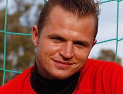 Дмитрия Тарасова «застукали» на свидании с брюнеткой