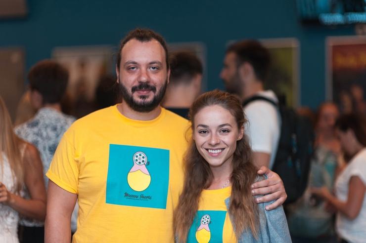 Мужем актрисы стал румынский режиссер Алекс Настою