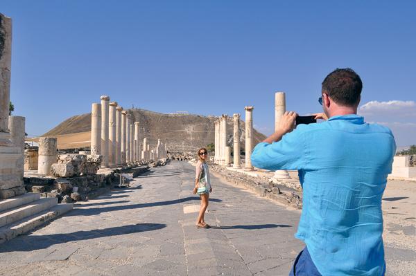В эту поездку Максим забыл взять фотоаппарат, поэтому любимую модель снимал на мобильник