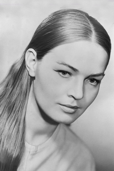 В юности Людмила Чурсина не считала себя красивой и артистичной