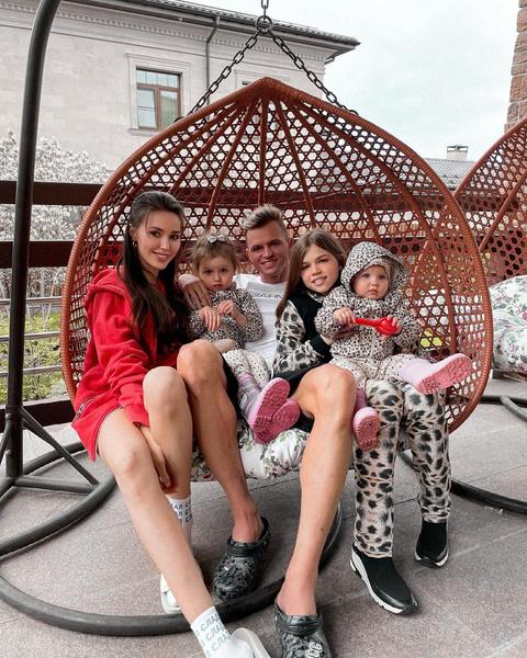 Более трех лет Дмитрий живет в браке с Анастасией Костенко