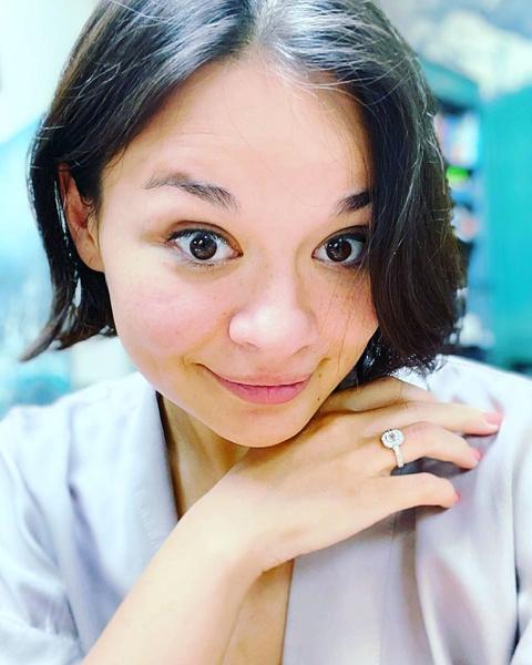 Ксения Шойгу показала кольцо