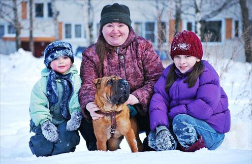 Елена Перчикова с детьми — Таисией и Анастасией