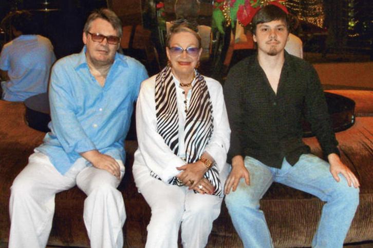 Людмила Ивановна с сыном и внуком