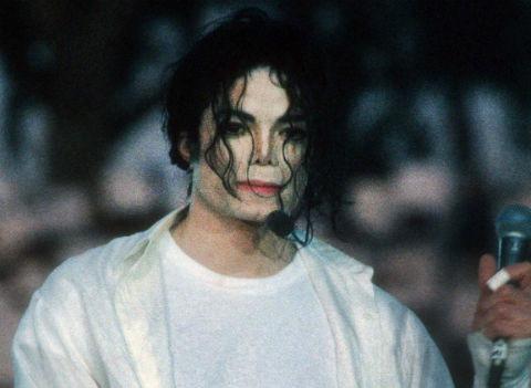 Семья Майкла Джексона требует 100 миллионов долларов от создателей документального фильма о нем
