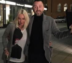 Лера Кудрявцева получила травму и ходит с тростью