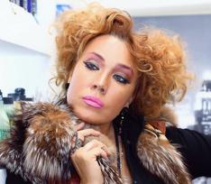 Азиза в суде доказала, что «мужчины ее хотели», и выиграла иск на миллион у вдовы Игоря Талькова