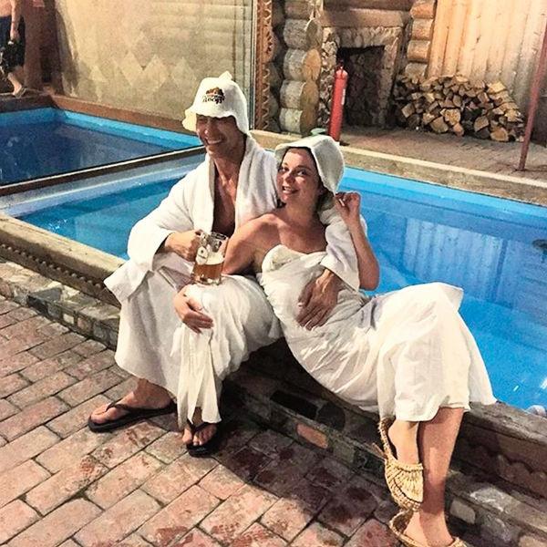 Наташа Королева и Тарзан отметили в бане годовщину свадьбы