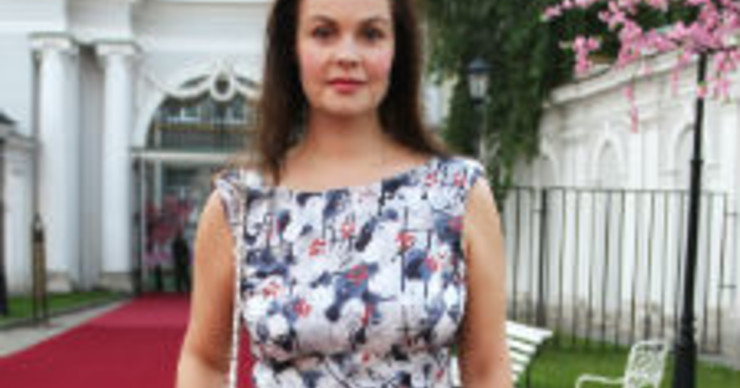 Екатерина Андреева сохраняет молодость благодаря специальной подушке