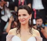 76-й Венецианский кинофестиваль: лучшие и худшие наряды церемонии открытия
