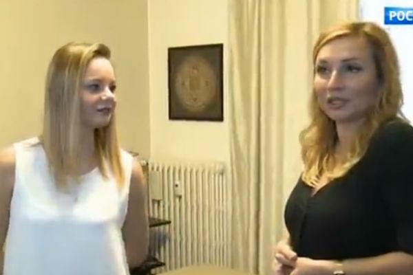 Юлия воспитывает дочь