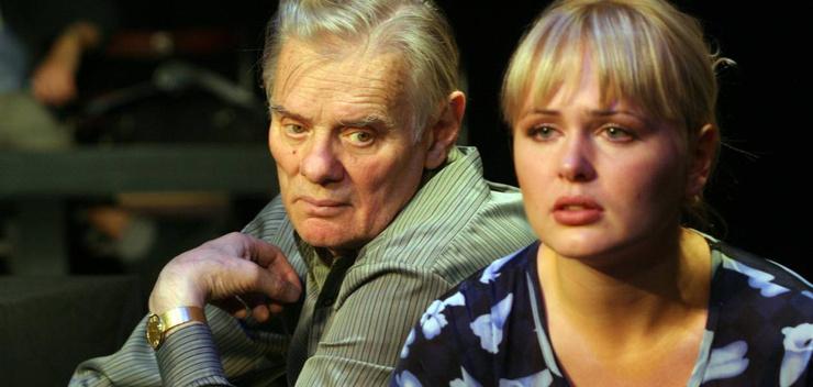 Звезда «Маргоши» об увольнении из театра Ермоловой: «Пока кормила грудью, Олег Меньшиков лишал меня заслуг»