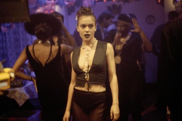 Алисса Милано в эротическом триллере «Ядовитый плющ 2: Лили»