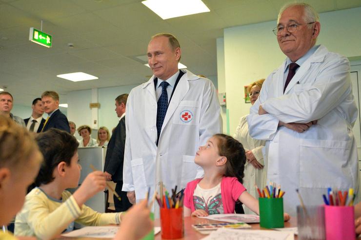 На первом месте у Леонида Михайловича всегда остается работа