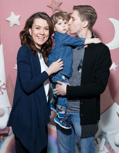 Мария Рассказова с сыном Иваном и супругом