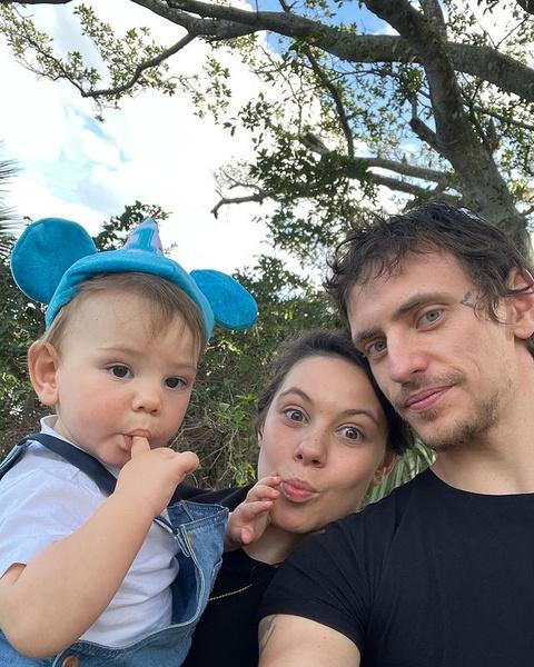 Сергей и Елена долго перебирали имена для своего сына и назвали его Мир